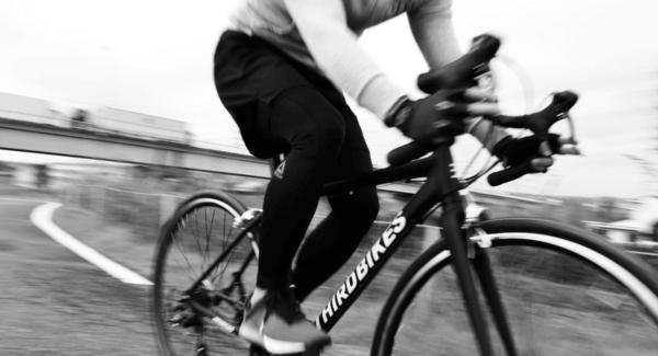 初めてのロードバイクに最適なエントリーモデルFESROAD新発売の画像